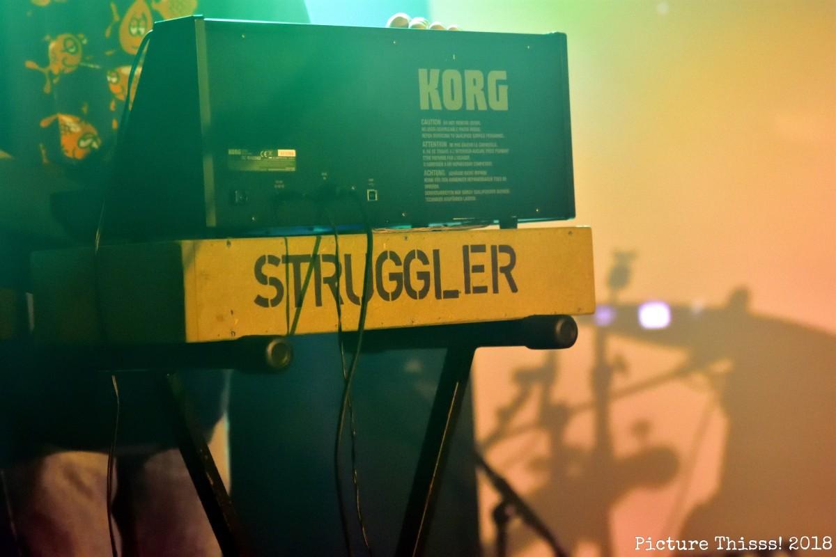 Struggler00031
